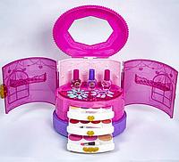 Набор детской косметики Glam Collection для макияжа и маникюра в шкатулке
