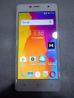 Мобилный телефон Nomi i5010 белый БУ