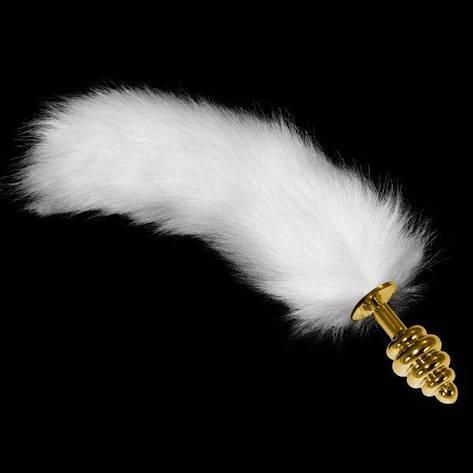 Золотая анальная втулка с длинным белым хвостом ребристая, фото 2