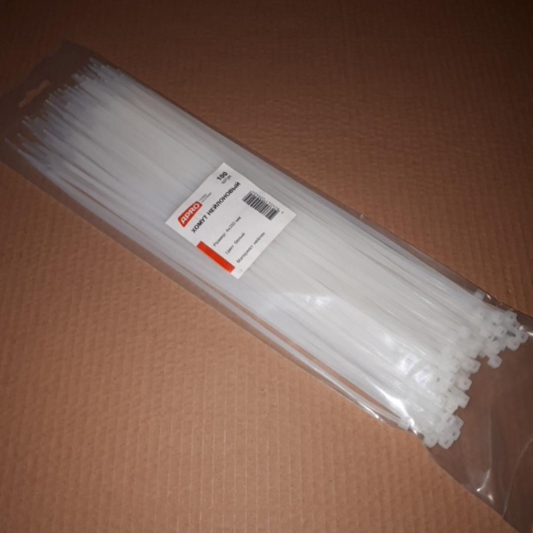 Хомут пластиковый белый 4 на 350мм Apro