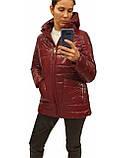 Демисезонная женская куртка с накладным карманом, модель Юлия, бордовый лак, размеры 48 - 54, фото 3