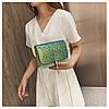Блестящая зеленая сумочка с косточкой через плечо, фото 3
