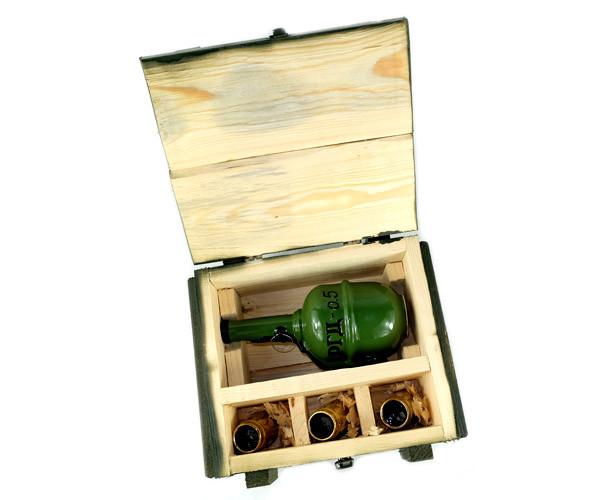 РГД-0,5 - військовий набір в дерев'яному ящику