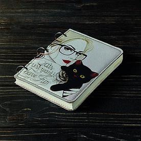Блокнот v.1.0. А6 Fisher Gifts 25 Девушка с котиком (эко-кожа)