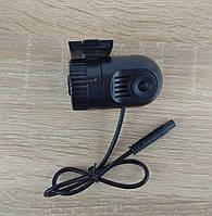 Небольшой регистратор с возможностью подключения к мониторам и магнитолам через кабель AV (Р-504)