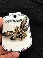 Брошь женская на булавке Brojkа 7437 с золотистой мухой