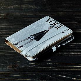 Обложка на блокнот 2.0 A6 Fisher Gifts 114 Девушка VOGUE 7 (эко-кожа)
