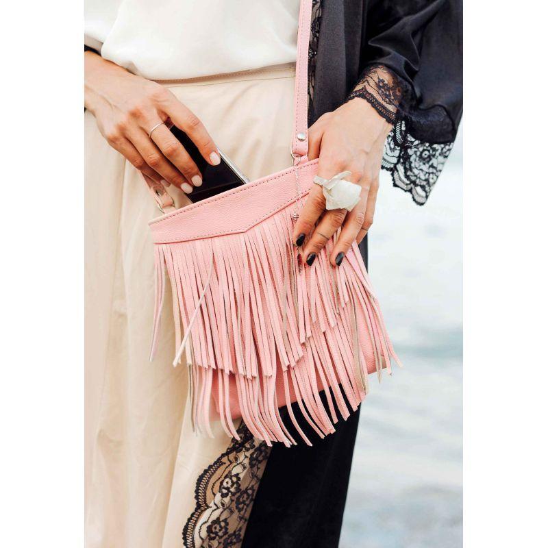 Кожаная женская сумка с бахромой мини-кроссбоди Fleco розовая