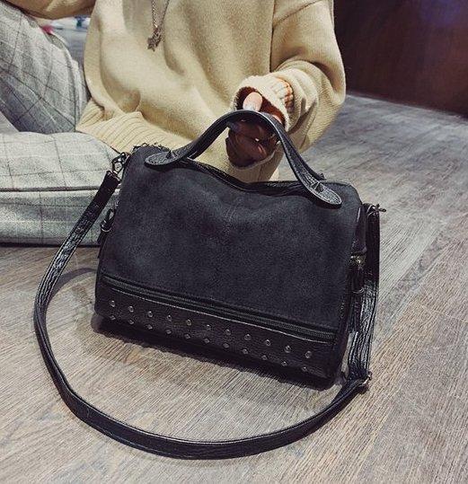 Заказ от 1000 грн, женская черная сумка из экокожи, сумка с шипами оптом  FS-3577-10