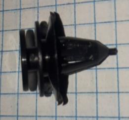 Клипса крепления держатель обшивки №97 Мицубиси Mitsubishi молдинга Чери Амулет Chery Amulet