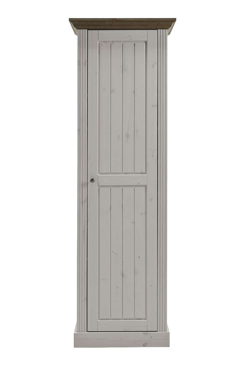Шкаф из массива дерева 014