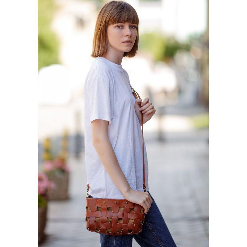 Кожаная плетеная женская сумка Пазл S светло-коричневая Krast