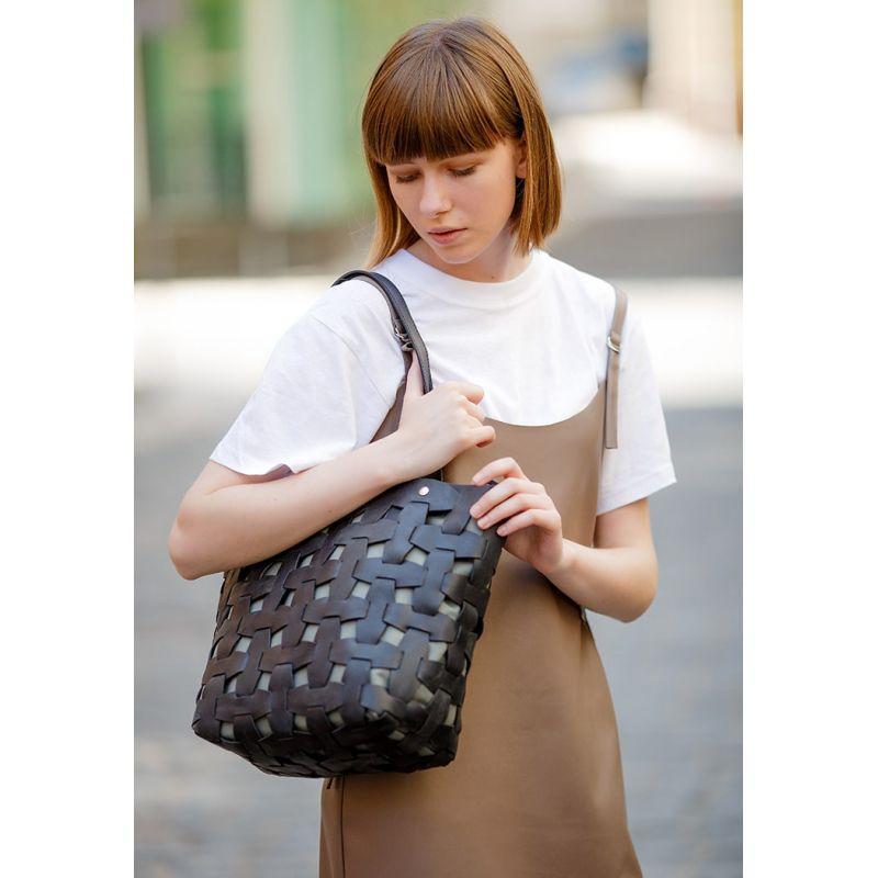 Кожаная плетеная женская сумка Пазл L черная Krast