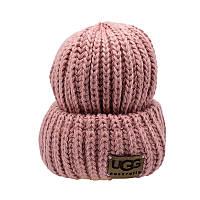 Молодежная шапка с отворотом из толстой пряжи. Пудровый цвет.