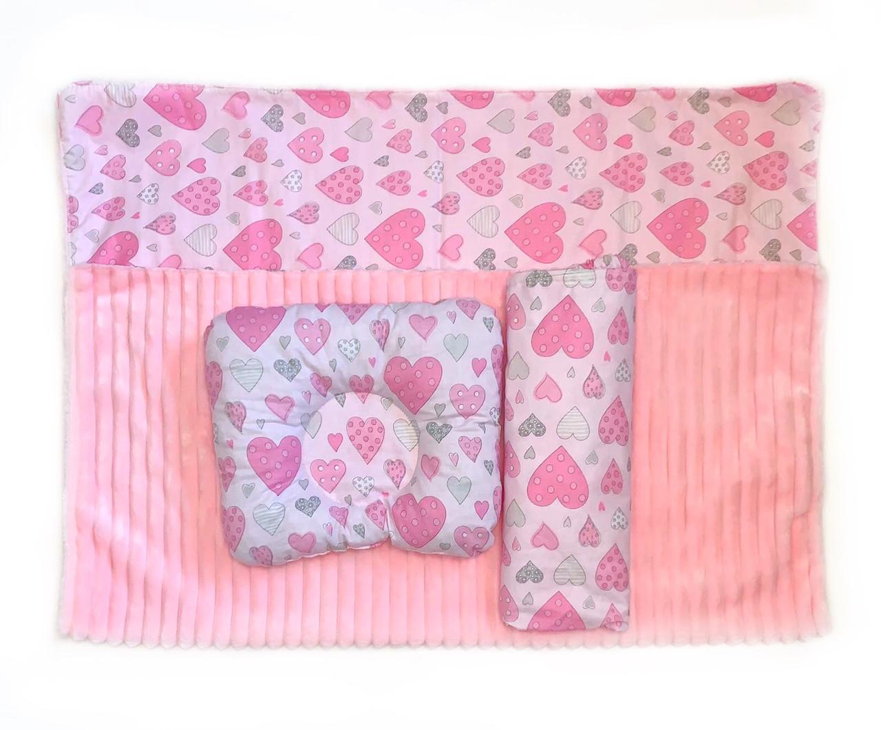 Набор в детскую кроватку (простынь, плед, подушка) Розовые сердечки №3