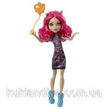 Кукла Monster High Хоулин Вульф Школьная ярмарка - Ghoul Fair Howleen Wolf