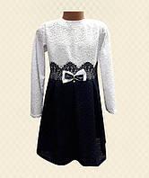Платье для девочки из кружева на атласе