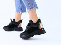 Черные замшевые кроссовки с текстильными вставками
