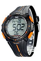 Часы  многофункциональные Q@Q  Outdoor Black 10Bar можно плавать, m102j002y