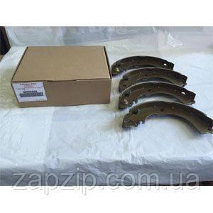 Тормозные колодки задние барабанные MMC - 4600A028  Lancer X 1.5 (араб)