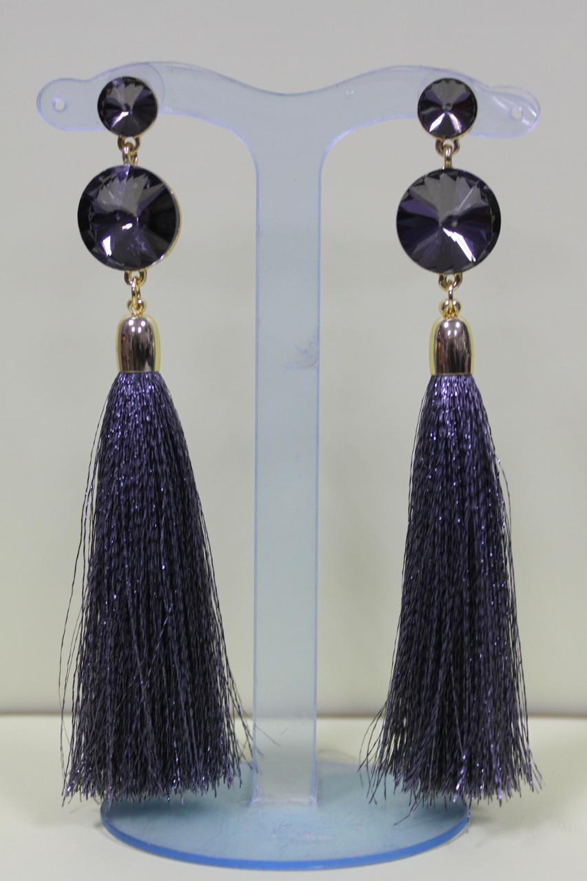 Элегантные сережки кисточки серые с люрексом украшены серыми камнями 12 см