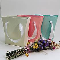 Подарочные картонные коробки на 14 февраля и 8 марта