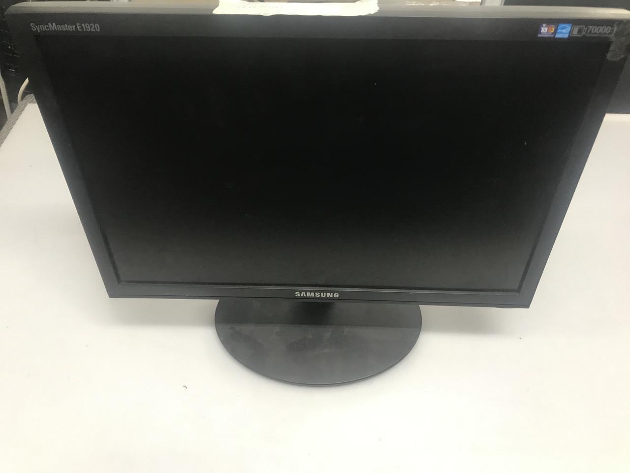 """Монитор широкоформатный 19"""" Samsung 943NW в отличном состоянии"""