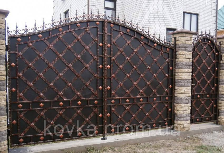 Кованые распашные ворота с калиткой, код: 01086