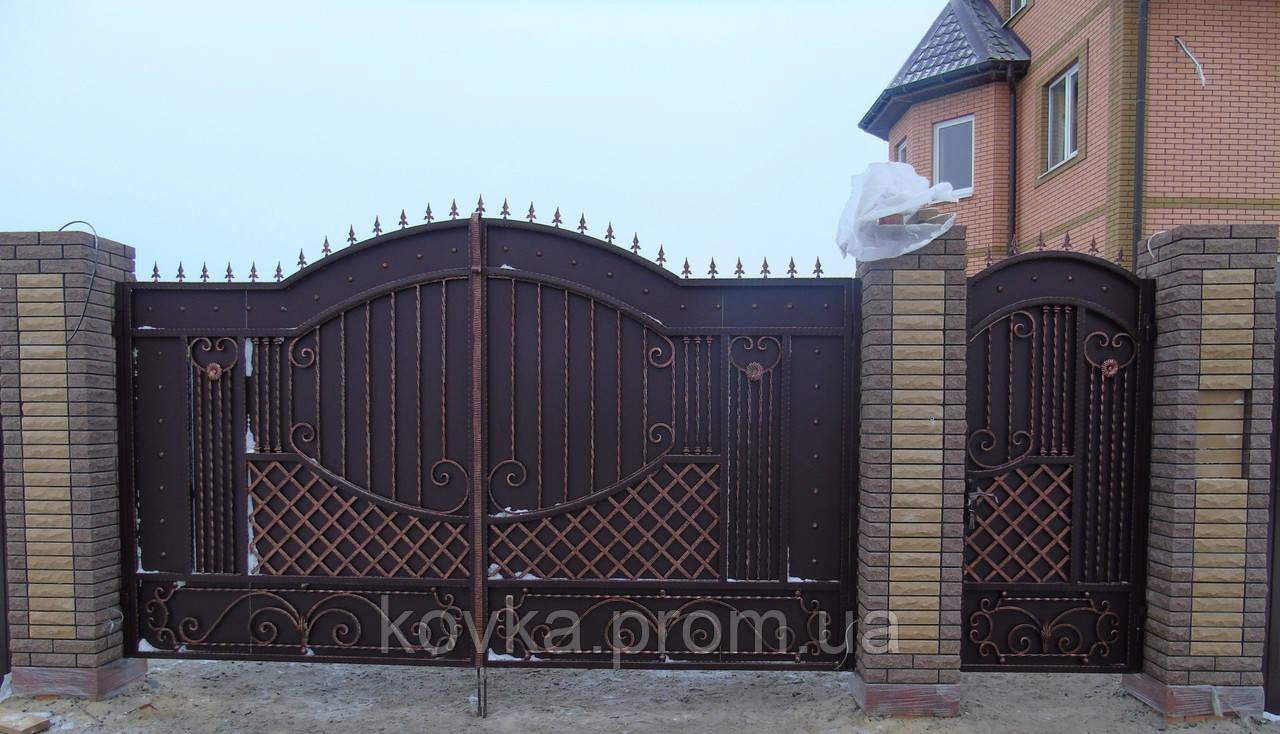 Кованые распашные ворота с калиткой, код: 01091