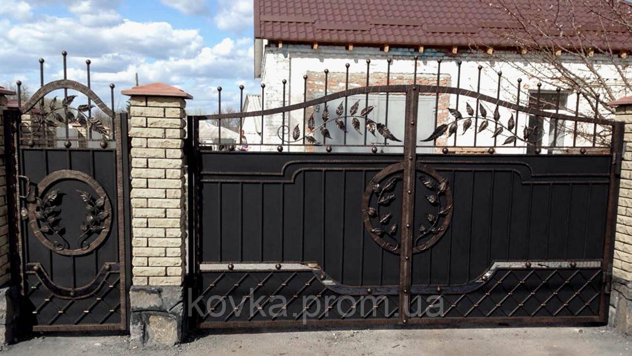 Кованые распашные ворота с калиткой, код: 01095