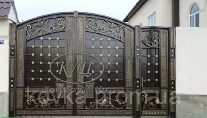Элитные кованые ворота с калиткой, код: 01103