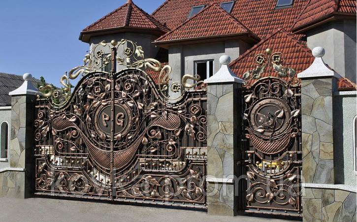 Кованые распашные ворота с калиткой, код: 01112