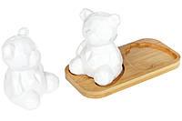 Фарфоровый набор для специй (соль/перец) на деревянной подставке Мишутка, 14см