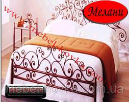 Кровать с ажурным кованым изголовием