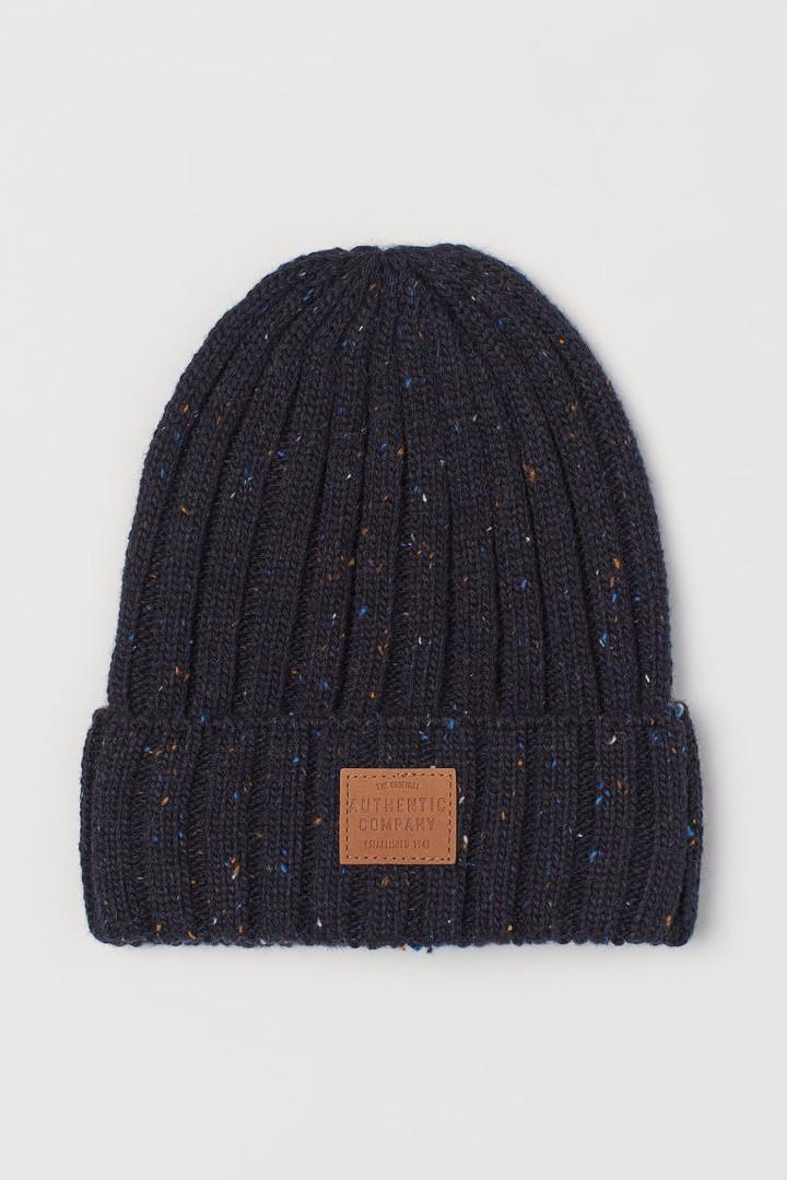 Демисезонная вязанная шапочка с отворотом для детей