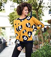 Шикарный вязаный женский свитерок .Основа горчичного цвета,узор черный..