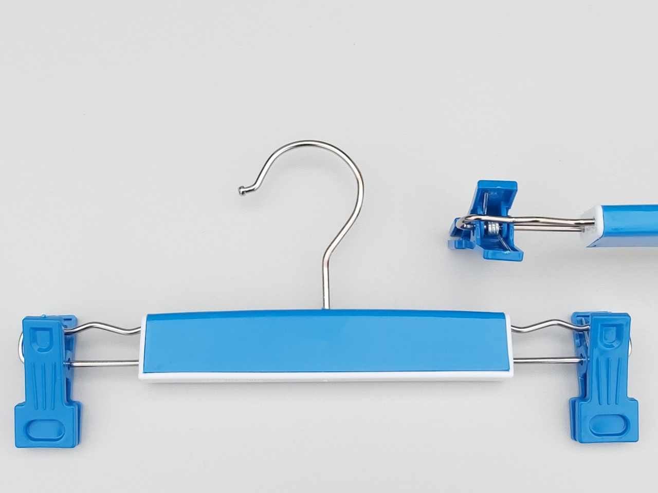 Плечики детские пластмассовые для брюк и юбок синие, 25,5 см