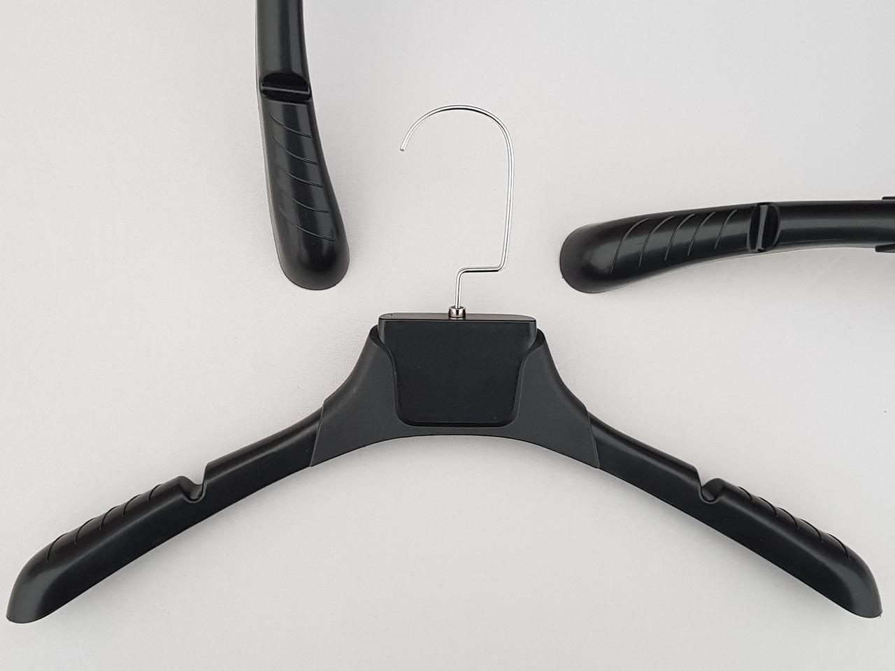 Плечики вешалки тремпеля TZ8821 с антискользящим ребристым плечом черного цвета, длина 38,5 см