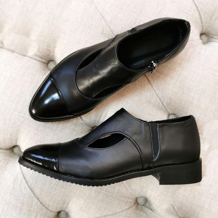 Женские туфли с острым носком на низком ходу, натуральная кожа и лаковая кожа.
