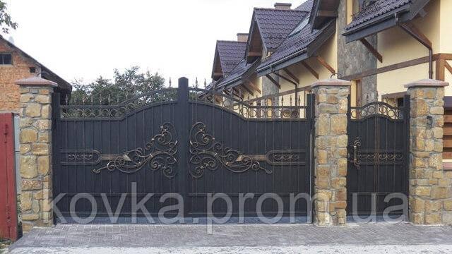 Кованые распашные ворота с калиткой, код: 01146