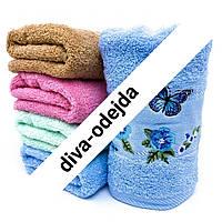 Банное полотенце с цветами и бабочками по канту.Размер:1,4 x 0,7