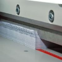 Резка бумаги, картона, материала полиграфического