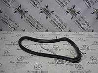 Уплотнитель заднего кузовного стекла mercedes-benz w251 r-class (A2517680624)