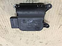 Моторчик заслінок печі Skoda Octavia A5 O 132 801 341 VW AG