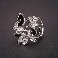 Держатель для косынок Бабочки стразы эмаль черный белый 30х33мм, диаметр внутр 20мм серебристый металл