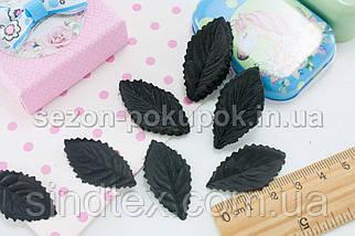 (10 ГРАММ 260 шт) Листочки искусственные, пресс 34х18мм Цвет - Чёрный (сп7нг-2105), фото 3