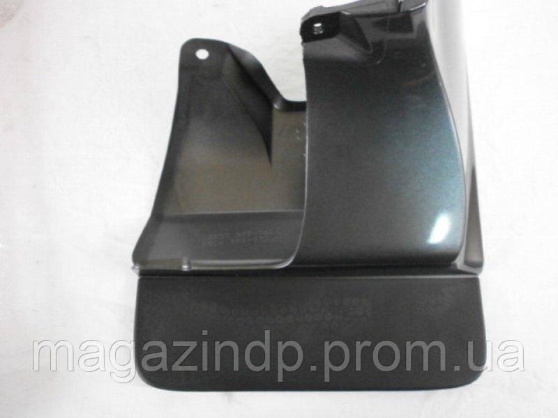 Брызговик Toyota Prado 120 (03-09) / передний правый, кт. 1 шт (76603-60110-F0) Код товара: 1492429