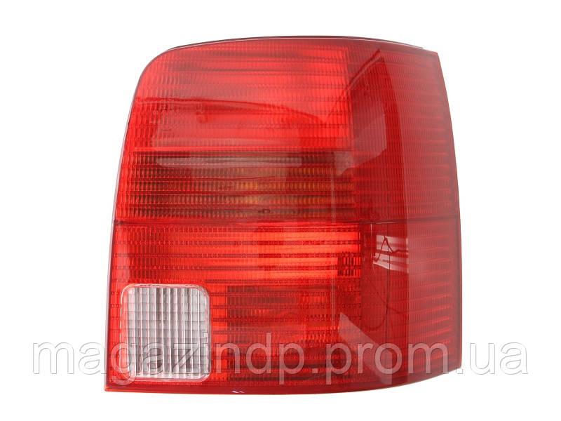 Фонарь задний Volkswagen Pass Vari B5 1996-2000 правый красный 441-1962R-UE Код товара: 3682688