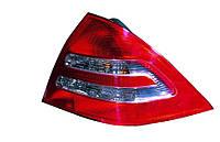 Фонарь задний Mercedes C-Class (W203) 2000-2004 правый  440-1917R-UE Код товара: 3796441