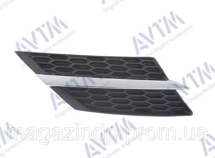Решетка радиатора Toyota Rav4 2013-2015 прав.с хром.молдингом Код товара: 3799845